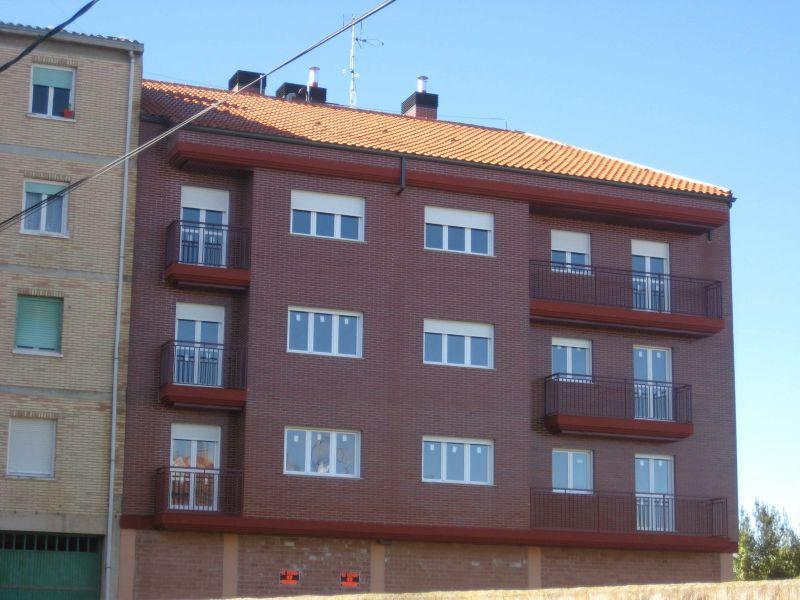 Piso en venta con 105 m2, 3 dormitorios  en Alberite