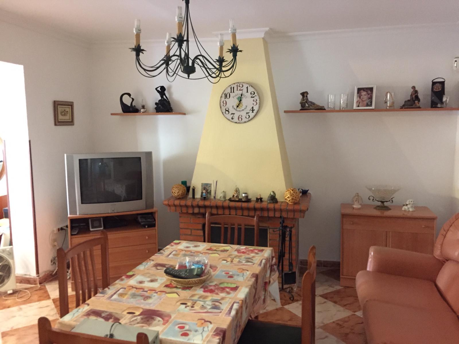 Casa en venta con 1100 m2, 4 dormitorios  en Castilblanco de los Arroy