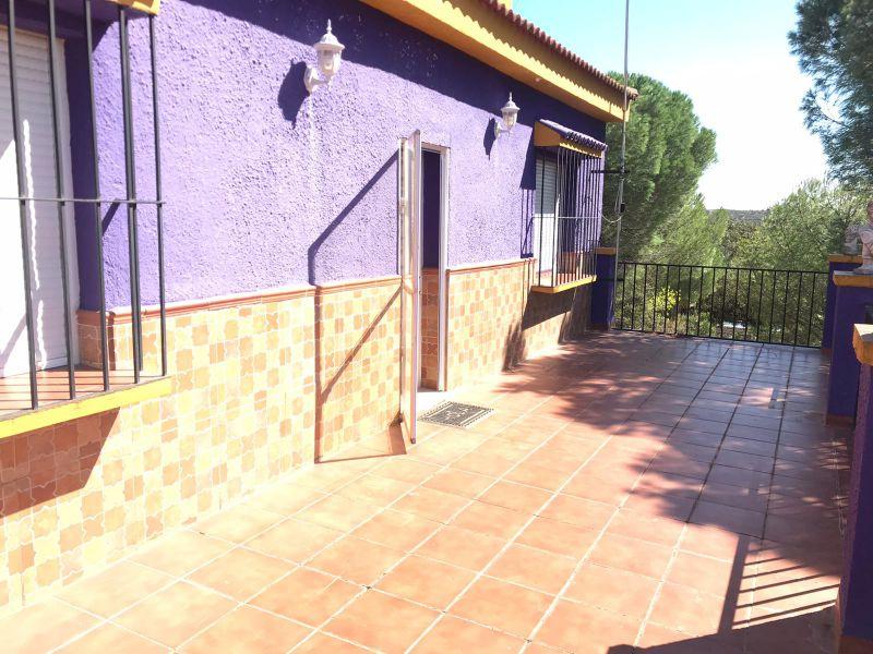 Casa en venta con 6250 m2, 4 dormitorios  en Castilblanco de los Arroy